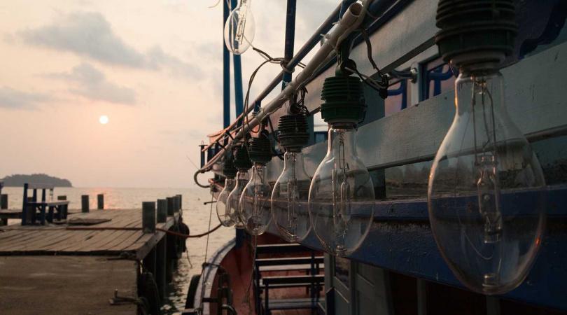 海釣小管兼賞煙火。 (圖/KLOOK提供)
