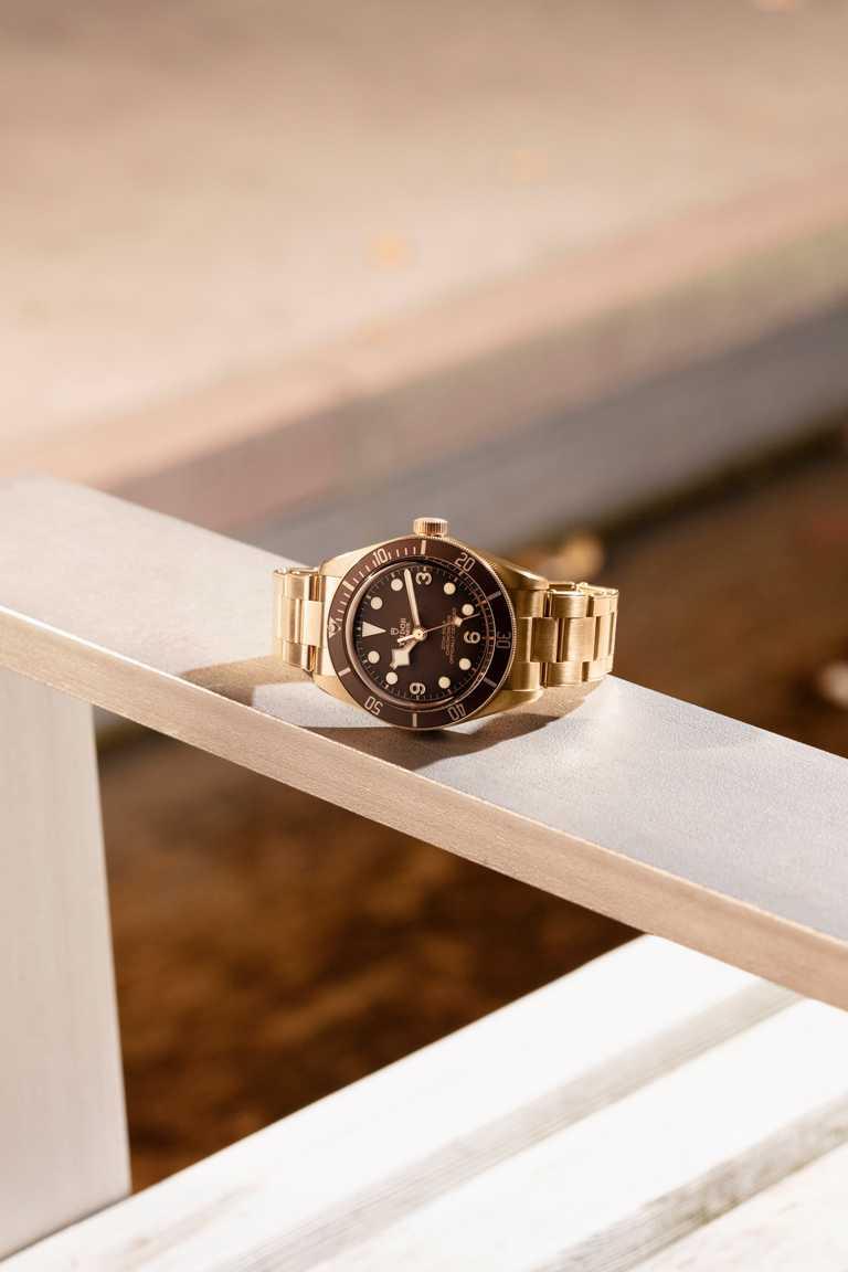 TUDOR「Black Bay Fifty-Eight Bronze碧灣1958型青銅款」腕錶╱143,500元。(圖╱TUDOR提供)