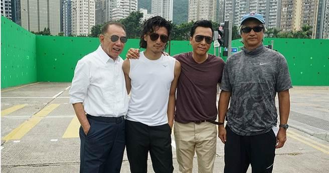 楊受成(左起)、謝霆鋒、甄子丹、陳木勝導演在開工儀式上合影。(圖/華映提供)