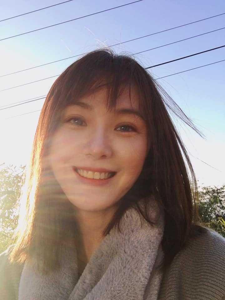 陳妍安擁有台大政治系研究所高學歷,但她仍求知若渴。(圖/翻攝臉書)