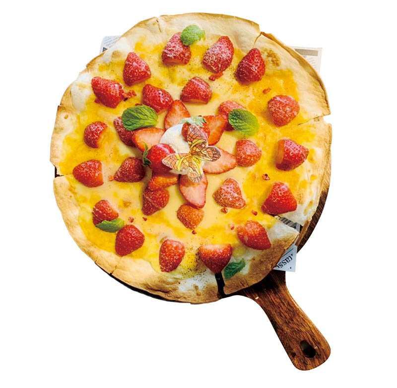 讓熱愛甜點的女孩們無法抗拒的「起司草莓煉乳薄餅」,甜香十分濃郁。(265元)(圖/JAI宅提供)