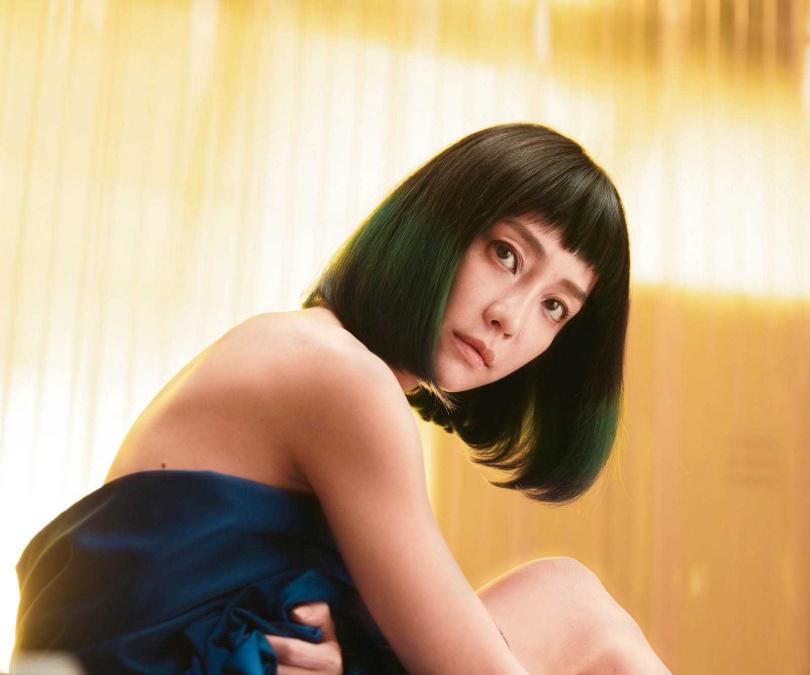 飾演人體素描模特兒的謝欣穎,在《怪胎》中有不少裸戲。(圖/牽猴子提供)