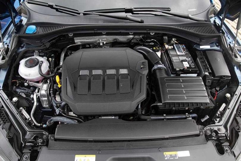 2.0升的渦輪增壓引擎,最大馬力為272匹,最大(圖/黃耀徵攝)扭力35.7公斤米。(圖/黃耀徵攝)