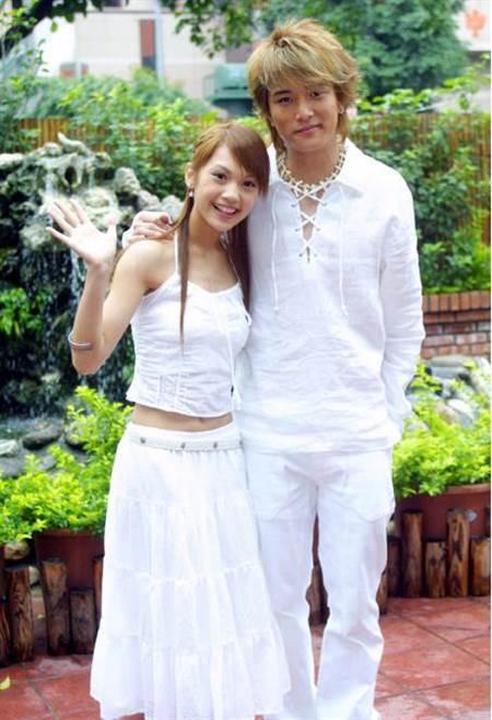 邱澤(右)和楊丞琳這對昔日戀人,曾冷戰10多年才在螢光幕前和解。(圖/翻攝自中華康網)