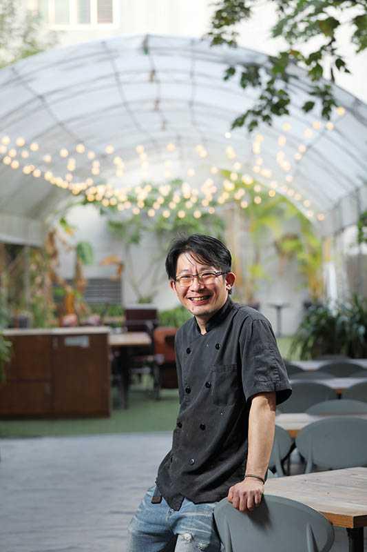 食尚曼谷主廚張家銘廚藝學自知名泰式餐廳,用料紮實大方。(圖/于魯光)