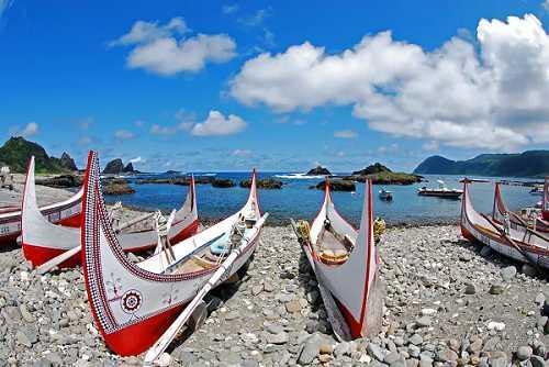 前往蘭嶼,了解當地達悟族文化。(圖/KLOOK提供)
