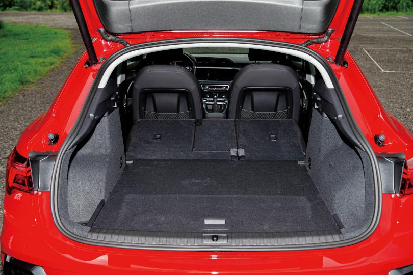 行李箱空間有530公升的容量,後座打平後容量更是升級到1,400公升。(圖/黃耀徵攝)