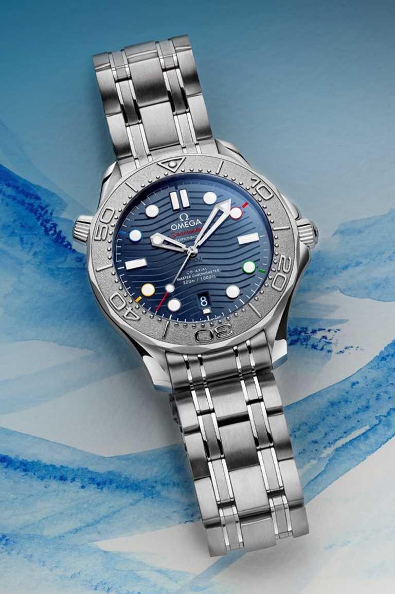 OMEGA「Seamaster海馬」系列潛水300米「北京2022」特別版腕錶,42mm,不鏽鋼錶殼,8800型同軸擒縱大師天文台機芯╱202,000元。(圖╱OMEGA提供)