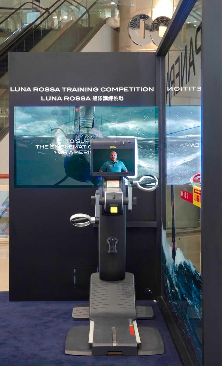 船員賽前每日專用的頂級健身器材,將由沛納海所贊助「Luna Rossa」船隊團隊總監暨船長Max Sirena帶領進行上肢訓練。(圖╱PANERAI提供)