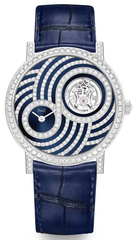 PIAGET「Altiplano」系列,飛行陀飛輪限量款鑲鑽腕錶,41mm,18K白金錶殼,搭載伯爵製670P手動上鏈飛行陀飛輪超薄機芯;夜藍色錶盤鑲嵌179顆圓形明亮式切割美鑽,錶圈鑲嵌60顆圓形明亮式切割美鑽,錶冠鑲嵌1顆玫瑰式切割美鑽,限量18只╱5,200,000元。(圖╱PIAGET提供)