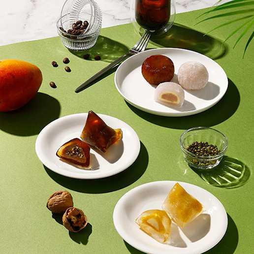 星巴克首次推出「楊枝甘露星冰粽」,充滿酸甜熱帶感。(圖/星巴克)