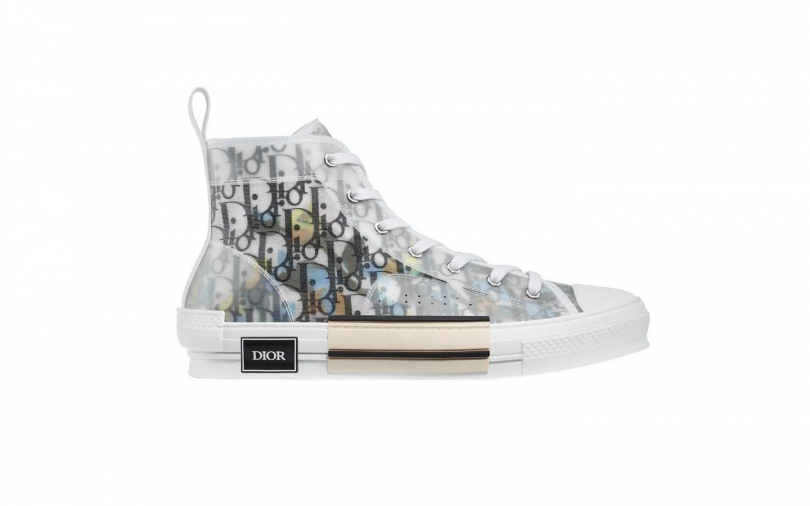 DIOR High-Top Sneaker in Dior Oblique with Alex Foxton 休閒鞋/37,000元(圖/品牌提供)