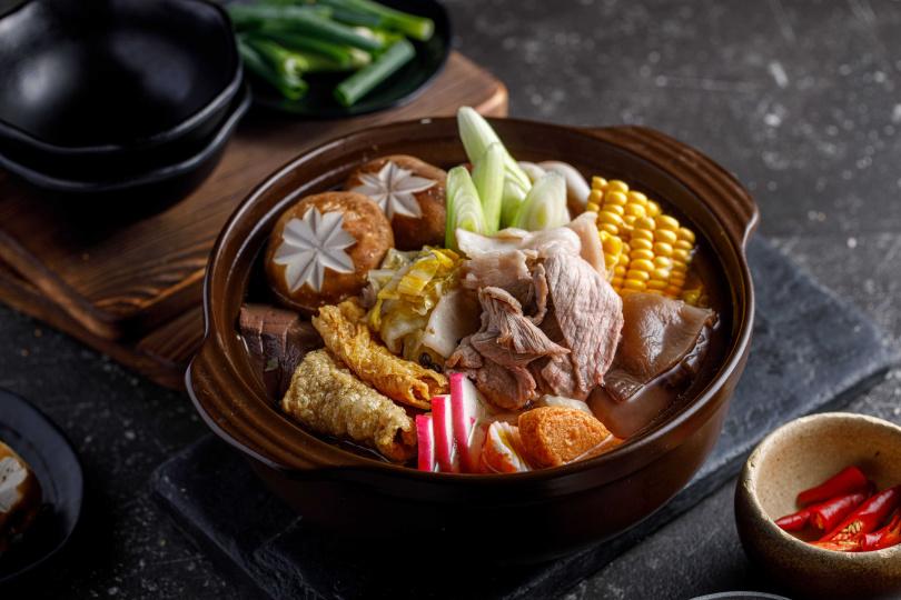 「馬告酸白菜山豬鍋」特別選用新竹尖石鄉的無化肥有機白菜。