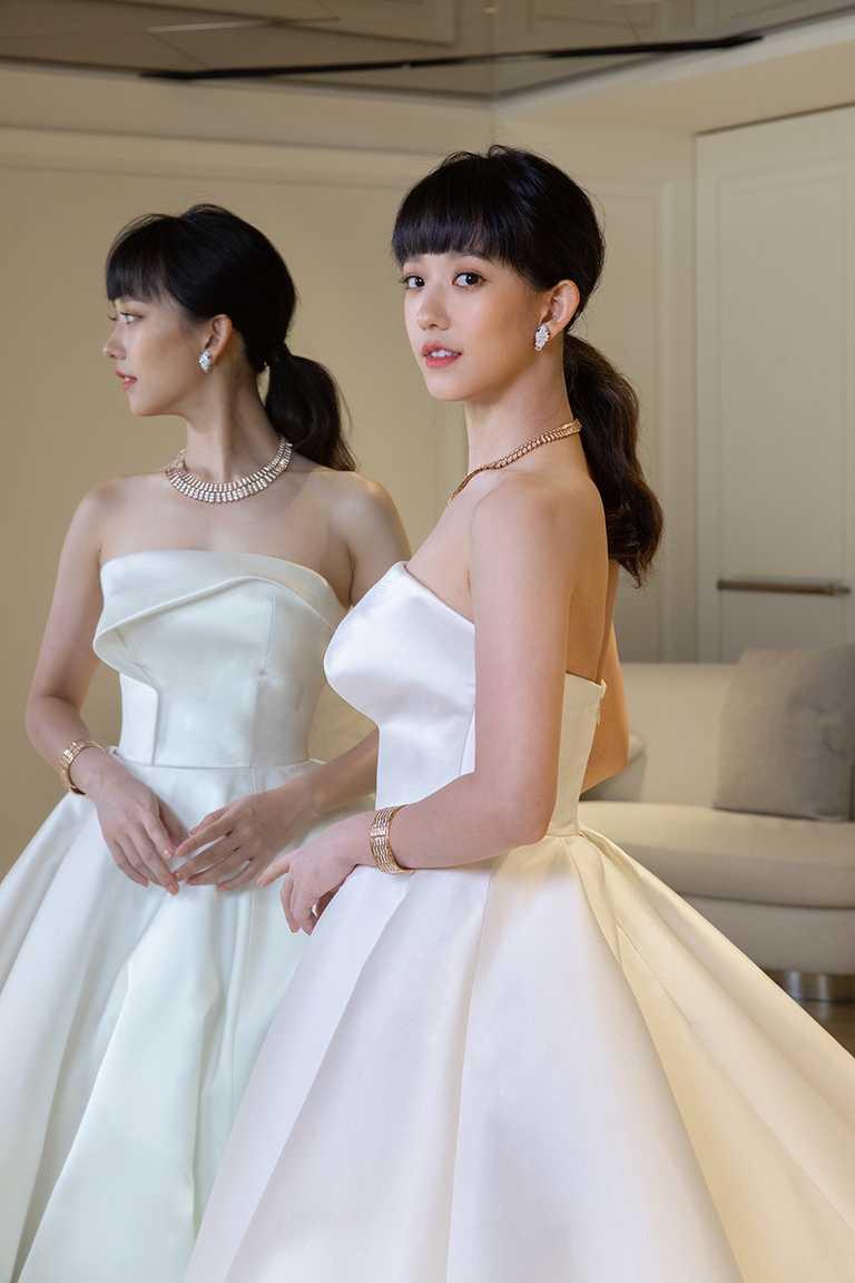 孟耿如日前為婚紗照拍攝試裝,選擇佩戴寶格麗頂級珠寶,搭配Nicole + Felica婚紗,展現簡約率性氣質。(圖╱BVLGARI提供)