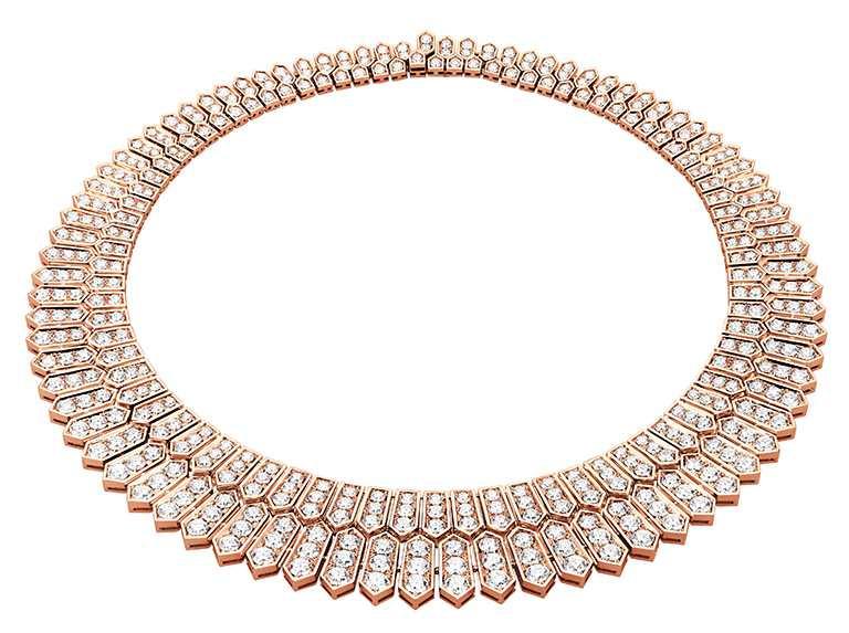 BVLGARI「Serpenti」系列頂級玫瑰金鑽石項鍊,鑲嵌密鑲鑽石(D-F IF-VVS),總重約40.29克拉╱10,500,000元。(圖╱BVLGARI提供)