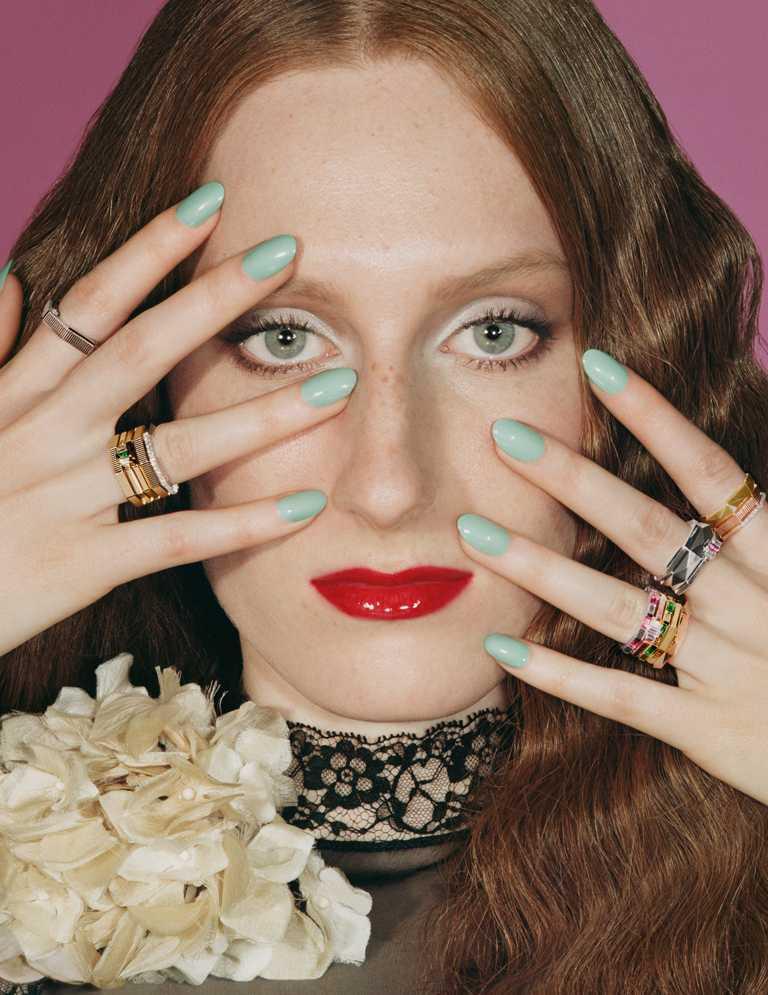全新GUCCI「Link to Love」系列中性珠寶形象廣告,由英倫攝影師Angelo Pennetta專責拍攝,組成一系列復古肖像藝術風的特寫照片。(圖╱GUCCI提供)