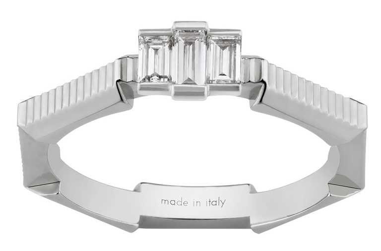 GUCCI「Link to Love」系列,長階梯形鑽石戒指╱87,500元。(圖╱GUCCI提供)