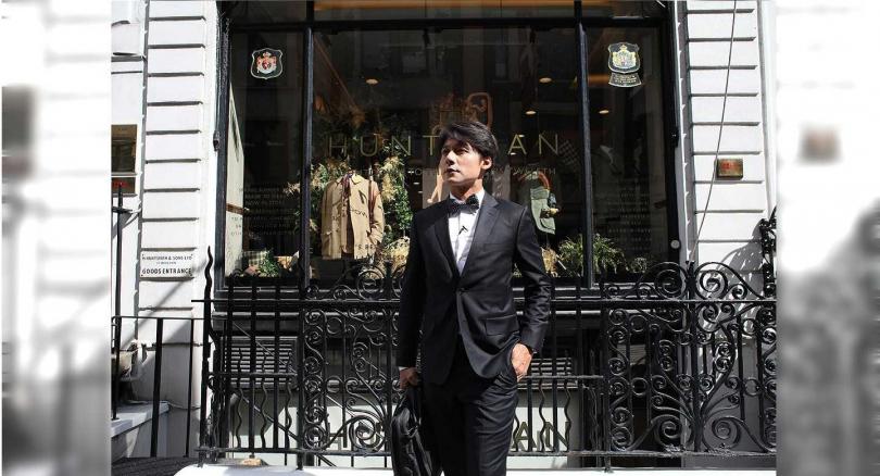 廖科溢來到電影《金牌特務》的人氣名店朝聖。(圖/亞洲旅遊台提供)