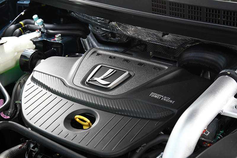 動力仍沿用與U6 GT相同的1.8升渦輪增壓引擎,最大馬力維持202匹,最大扭力微降至30.6公斤米。(圖/記者王若攝)