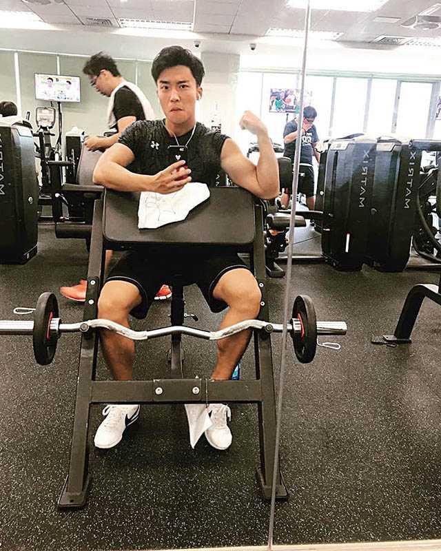 每天都要健身的卞慶華,去外地拍戲也不忘上健身房報到。(圖/翻攝自卞慶華臉書)
