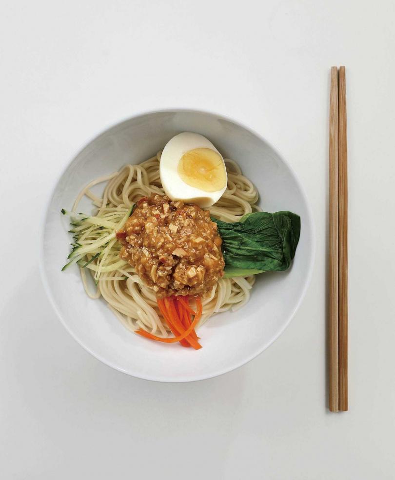 鹹辣兼具的「特製炸醬麵」,整體口味偏向清爽。(180元)(圖/于魯光攝)