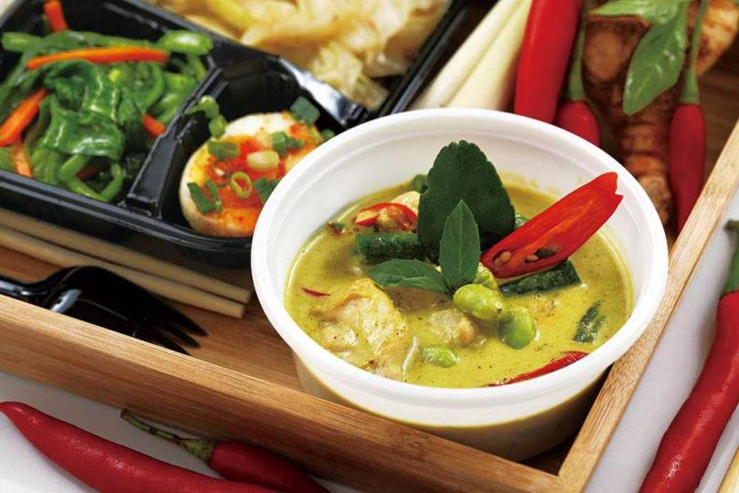 「綠咖哩雞」用的是去骨雞腿肉,與綠咖哩共煮,溫醇辛香。(120元)(圖/于魯光攝)