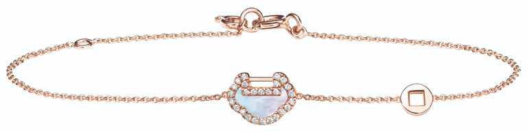 Qeelin「Petite Yu Yi」系列,18K玫瑰金珍珠母貝鑲鑽手鍊╱45,500元。(圖╱Qeelin提供)