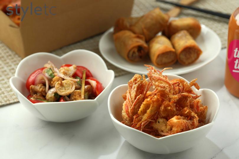令人懷念的道地小吃炸蝦頭和香料豬拌泰國茄子。(68元)(圖/于魯光攝)