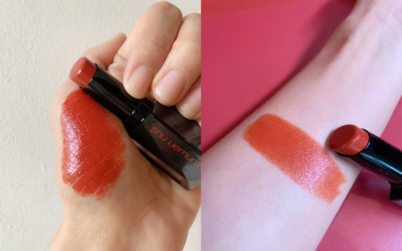 有著無敵滋潤顯色度的「無色限釉光精油唇膏 #0R595」是楓葉紅棕色,在紅茶唇色中是少見的光澤感妝效。(圖/吳雅鈴攝)