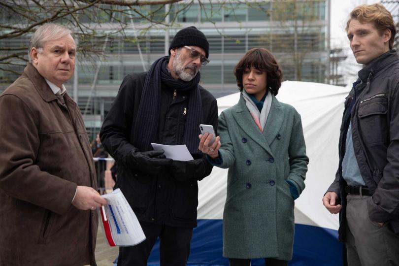 《明信片謀殺案》刑警雅各與收到明信片的記者黛西聯手辦案。(圖/甲上提供)