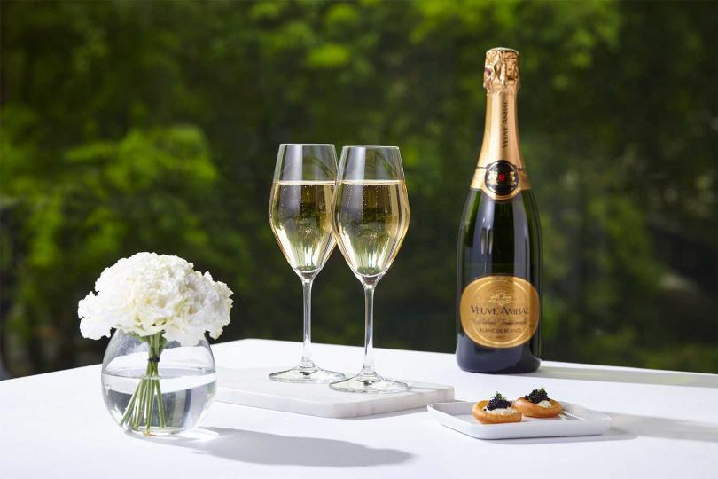安柏夫人酒莊擁有超過一世紀製酒的歷史,是勃根地最具指標性的氣泡酒品牌。