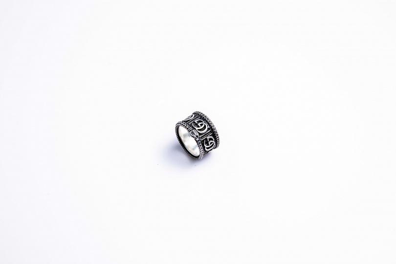 Gucci戒指 爸爸今年送的生日禮物 (圖/莊立人攝)
