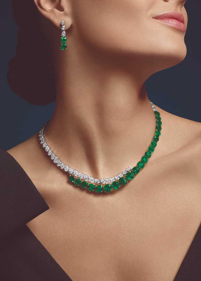 HARRY WINSTON「Colombian」系列,(上)祖母綠與鑽石耳墜╱8,370,000元;(下)祖母綠與鑽石項鍊╱68,760,000元。(圖╱HARRY WINSTON提供)