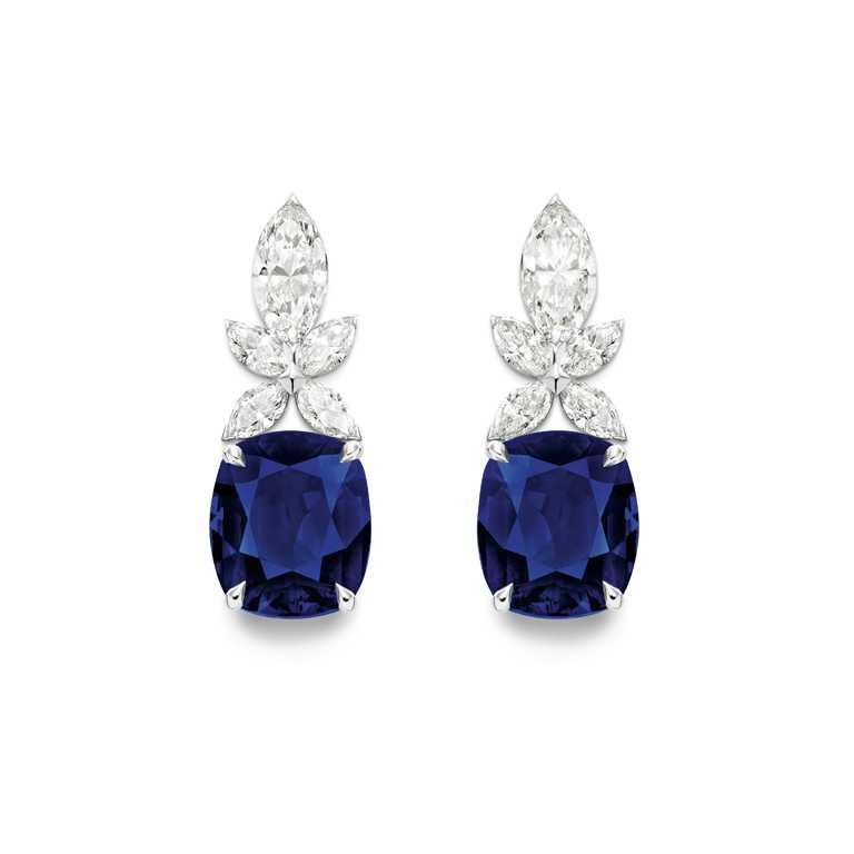 PIAGET「Treasures Collection」系列,18K白金藍寶石高級珠寶耳環。(圖╱PIAGET提供)