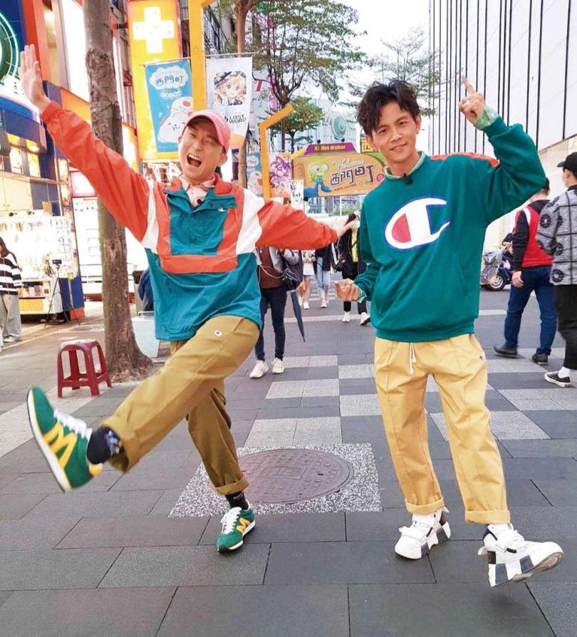 浩子透露,與阿翔共組「浩角翔起」初期,曾為了主持一起到國語日報上正音課。(圖/翻攝自浩角翔起粉絲專頁)