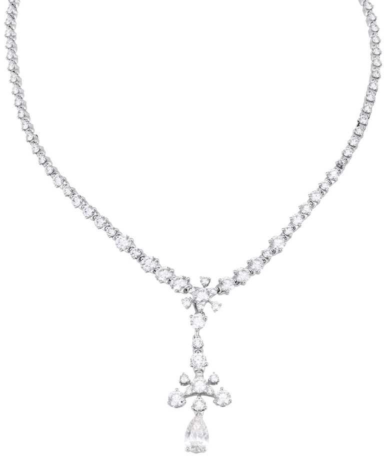 DE BEERS「Lea」高級珠寶系列鑽石項鍊,鑽石總重約14.49克拉╱2,960,000元。(圖╱DE BEERS提供)
