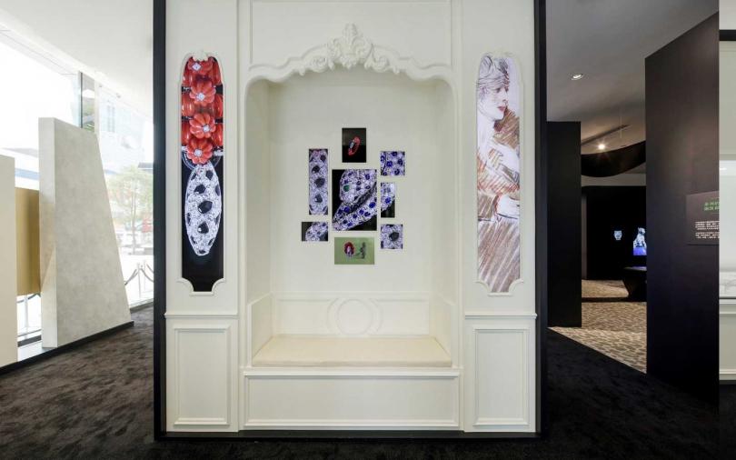 卡地亞「豹影迷蹤」展-展區內重現貞・杜桑位於巴黎和平路總店2樓的私人會客室