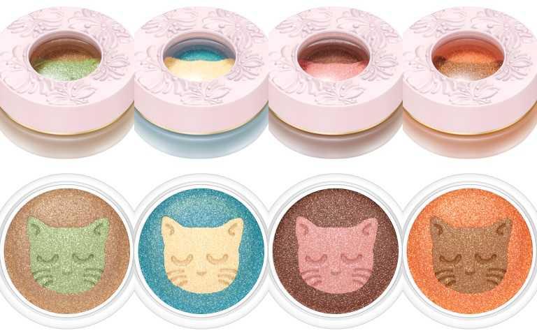 清透亮的色澤與細緻珠光,一抹顯色,可單獨或堆疊使用,色彩不混濁不暈染。左起:色號#001、#002、#003、#004。PAUL&JOE打盹貓限量雙色眼影(各含二色)6g /950元(圖/品牌提供)