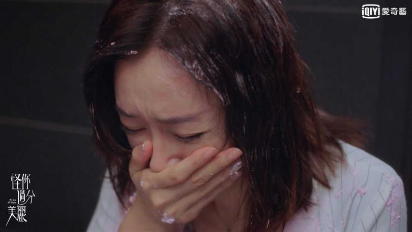 秦嵐劇中詮釋高強經紀人廣受好評,屢次登上熱搜。(圖/愛奇藝台灣站提供)