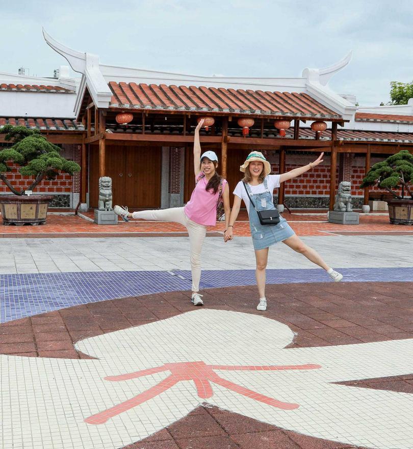 吉野村移民館與象徵客家文化的桐花廣場,正好呈現吉安鄉的多元移民文化。(圖/林士傑攝)