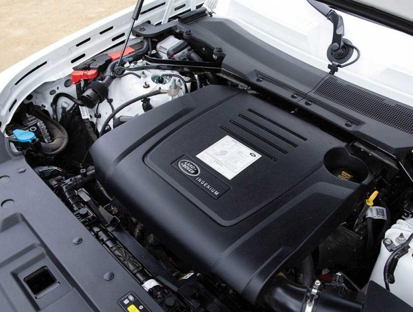引擎採用Ingenium 2.0 四缸渦輪增壓,在5,500轉時能榨出高達300匹的馬力。(圖/黃耀徵攝)