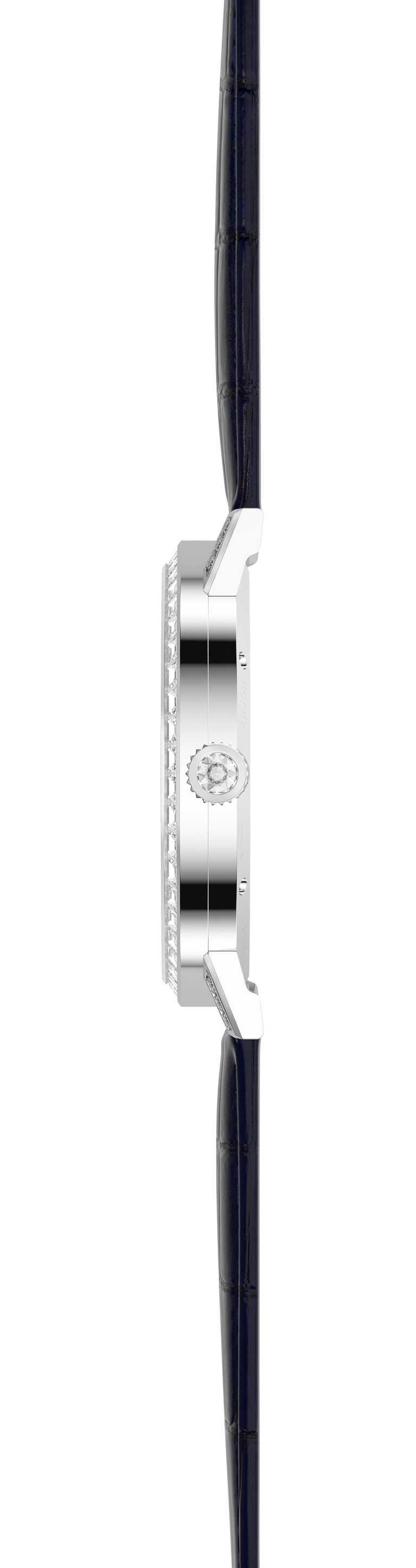 PIAGET「Altiplano」 系列,砂金石玻璃面盤飛行陀飛輪限量款鑲鑽腕錶,整體厚度僅7.35mm╱4,470,000元。(圖╱PIAGET提供)