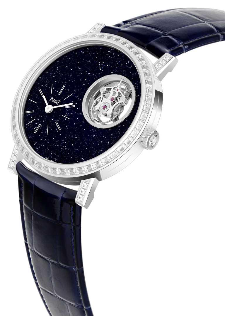 PIAGET「Altiplano」 系列,砂金石玻璃面盤飛行陀飛輪限量款鑲鑽腕錶,38mm,18K白金錶殼,670P型手動上鏈飛行陀飛輪機芯,鑽石85顆,限量38只╱4,470,000元。(圖╱PIAGET提供)