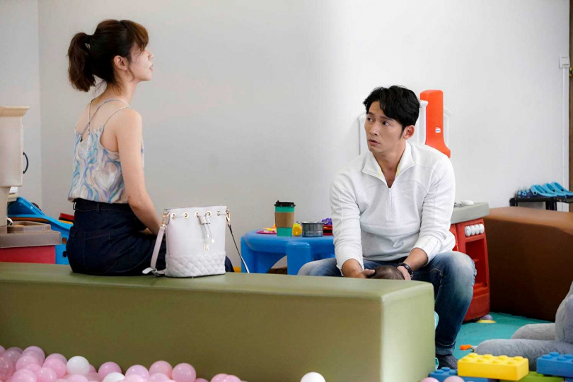 飾演謝盈萱前男友的溫昇豪,第二季也回歸演出,兩人發展備受觀眾期待。(圖/華視、CATCHPLAY+提供)