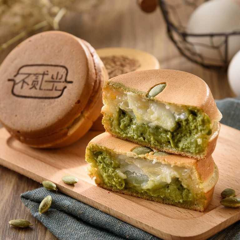 「雪白森林」使用來自日本靜岡抹茶,搭配QQ的麻糬十分對味。
