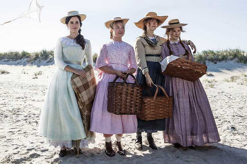 艾瑪華森、佛蘿倫斯普伊、瑟夏羅南和艾莉莎斯坎倫,在《她們》中飾演4姊妹。(圖/索尼影業提供)