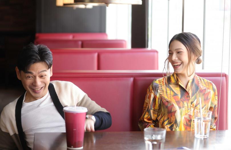 阿Ken(左)和紀培慧因拍戲後熟識,默契相當好。(圖/施岳呈攝)