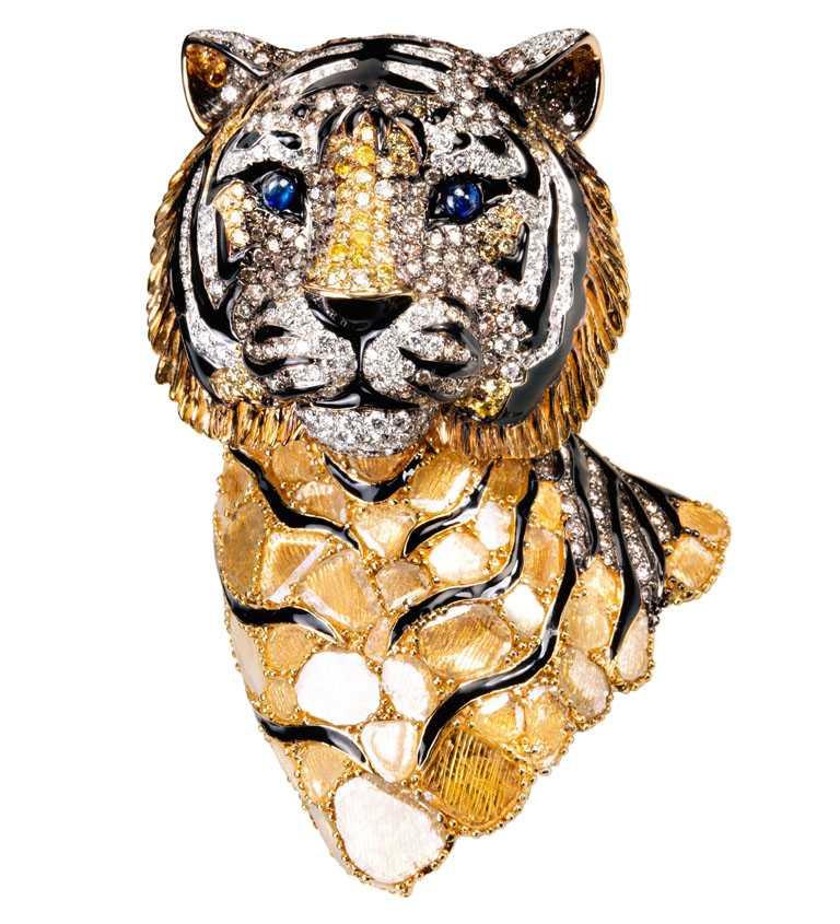 JHENG Jewellery「極致鑽片」系列,虎╱1,122,000元。(圖╱JHENG Jewellery提供)