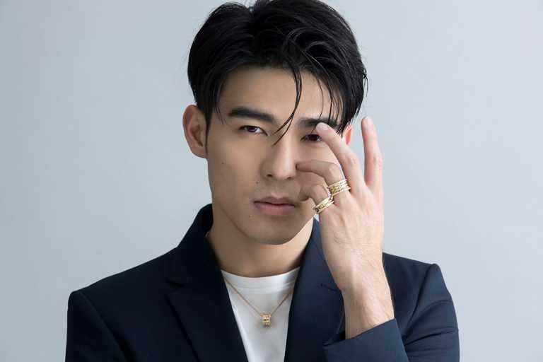 陳昊森佩戴BVLGARI「B.zero1 Rock」系列黃K金作品,展現迷人魅力。(圖╱易志強攝影工作室提供)