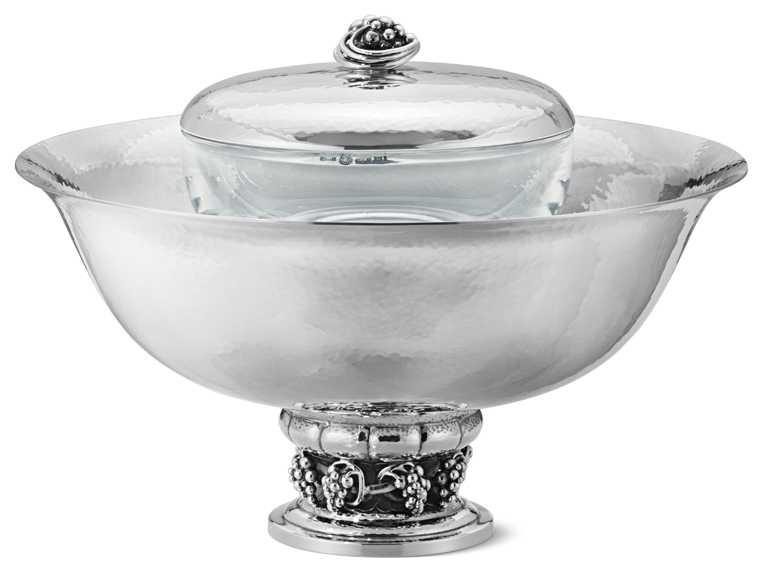 GEORG JENSEN「魚子醬銀雕器皿」╱460,000元。(圖╱GEORG JENSEN提供)
